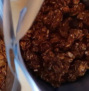 Кранчі шоколадні з вишнею